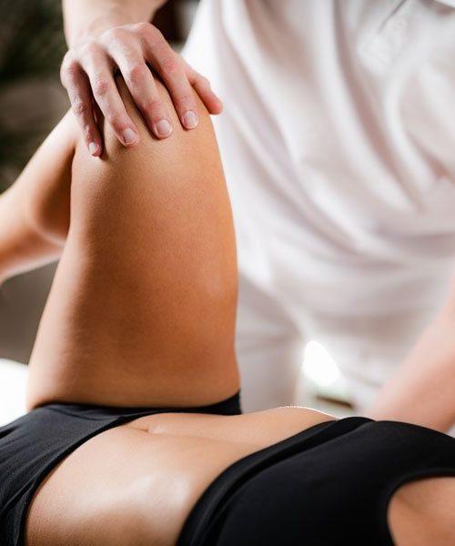 Manipulation Ostéopathe jambes et hanche